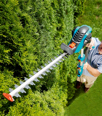 Telescopic hedge trimmer
