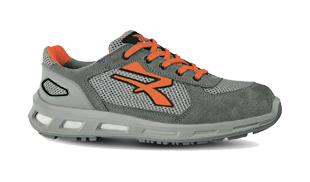 Low top safety trainers